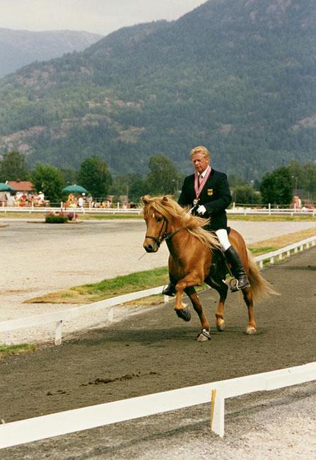 Blivar von Birkenlund mit Biggi Gunnarson auf der WM in Norwegen, 1997: Vizeweltmeister bei den sechsjährigen Hengsten